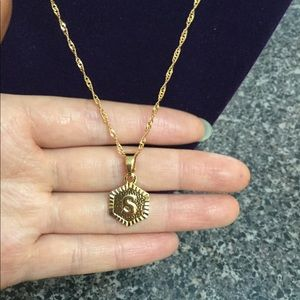 """Jewelry - New 18K gold """" S """" letter necklace"""